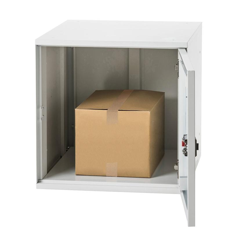 3辺合計が120~140cmのダンボール箱が収納可能