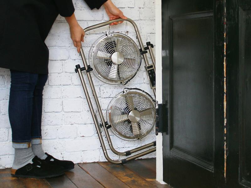 折り畳めばスリムになり、収納に便利