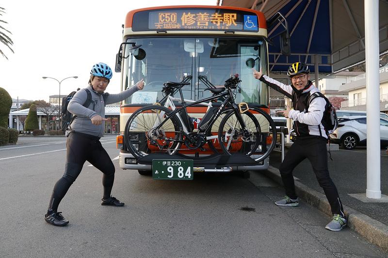 自転車は2台まで積載可能