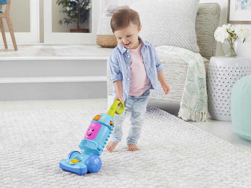 スティック掃除機型のおもちゃ「バイリンガル・おしゃべりそうじき」