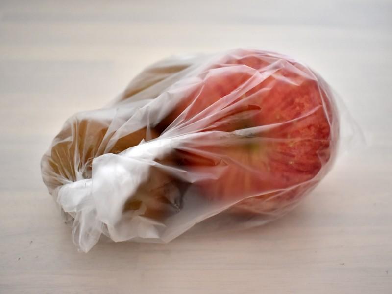 リンゴやバナナと一緒にポリ袋へ入れると、追熟が進みやすい