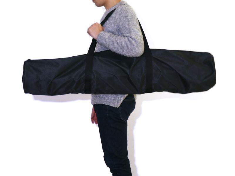 付属の持ち運び用のバッグに収納して、外に気軽に持ち出せる