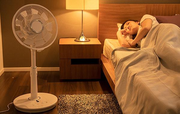 静音モードを搭載し、睡眠の邪魔をしないという