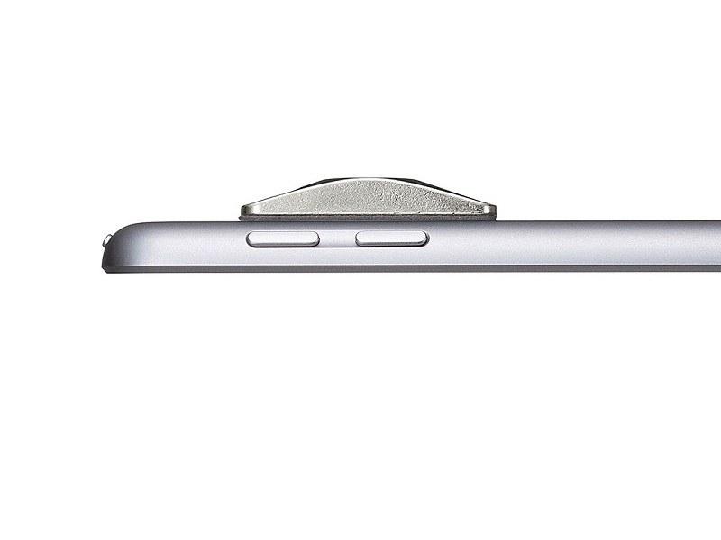 小型・薄型のSLE-20Pは製品の背面や底面にもとりつけられる