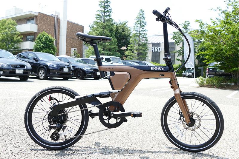 PSシリーズ初となるフォールディンタイプのe-bike「PSF1」。こちらのカラーはゴールド
