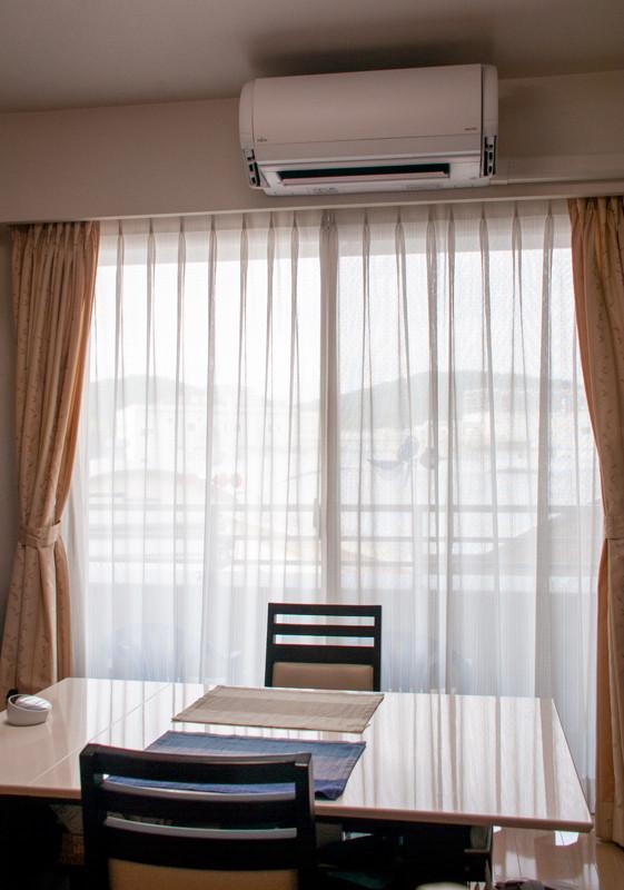 「デュアルブラスター」の効果だろうか。エアコンの真正面に座ってもキツい風を感じない