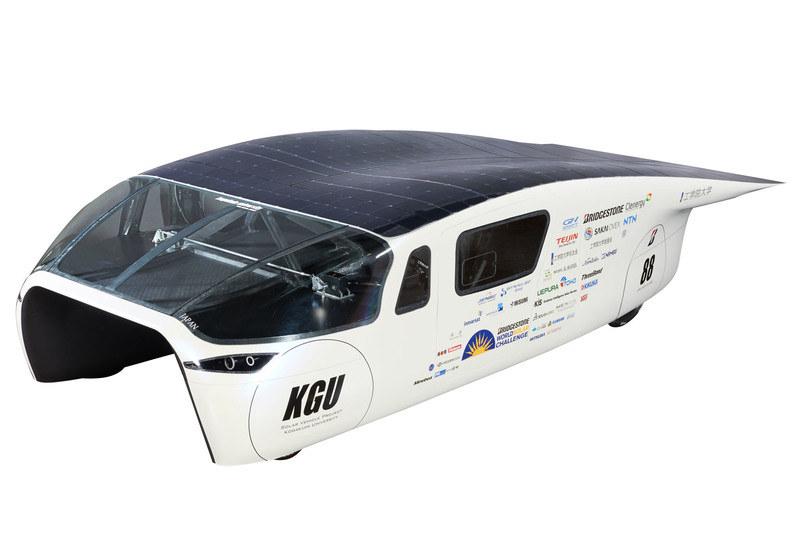 イベントでは、世界最高峰のソーラーカーレース「BWSC」に参戦したソーラーカーを用いる