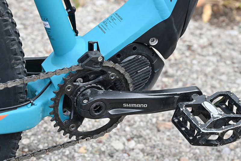 シマノ製のドライブユニットとインチューブバッテリーを採用