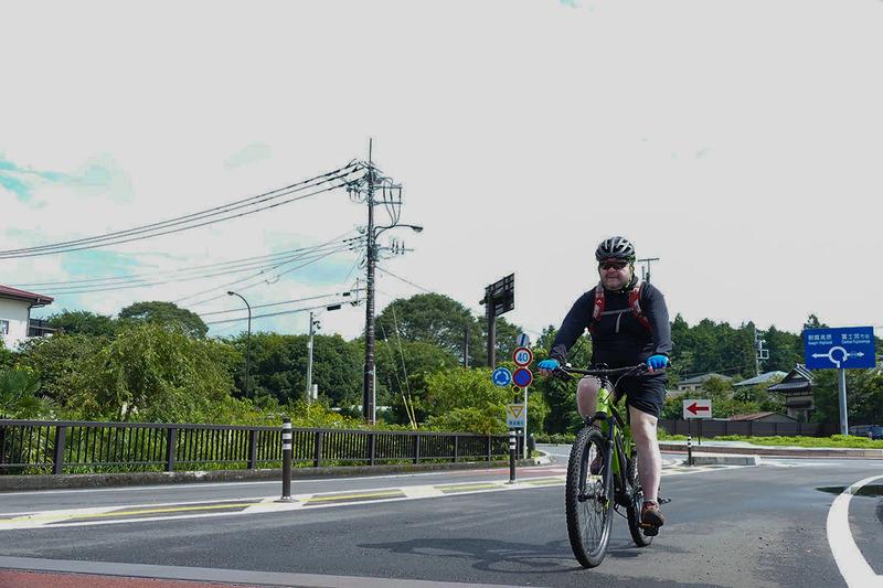 朝のサイクリングは富士山本宮浅間大社を北上して白糸の滝へ