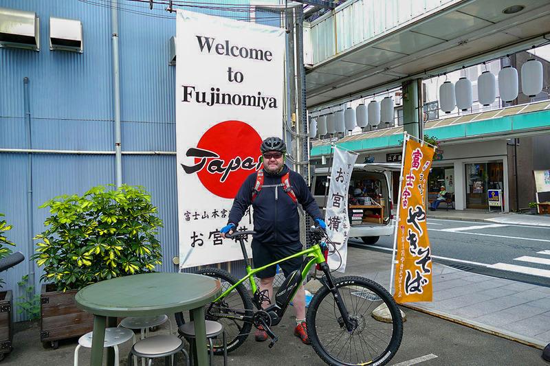 白糸の滝から再び富士宮市街地へ。このエリアには美味しい「富士宮やきそば」があるらしい!