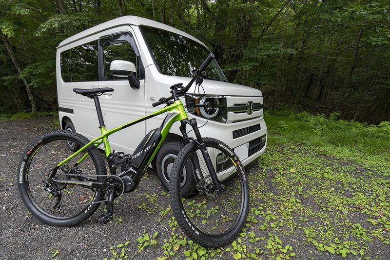 今回は愛車のホンダN-VANに、e-bikeのメリダeBIG.SEVEN 600を乗せ、富士山一合目あたりまでトランポです。標高の高い涼しいコースでサイクリングという目論見