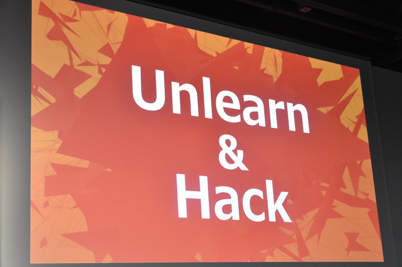 UnlearnとHackが行動指針と深田氏は語る