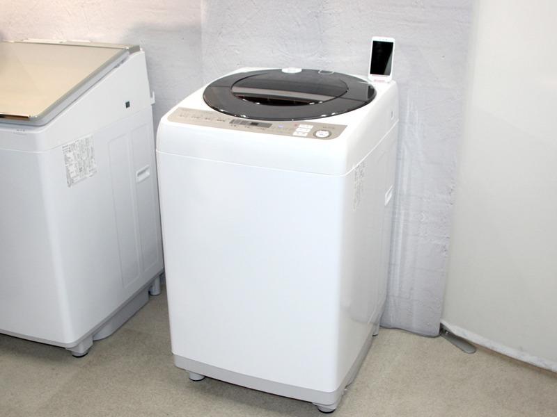 乾燥機能を省略した同社の洗濯機として初めて、スマホ連携機能を搭載