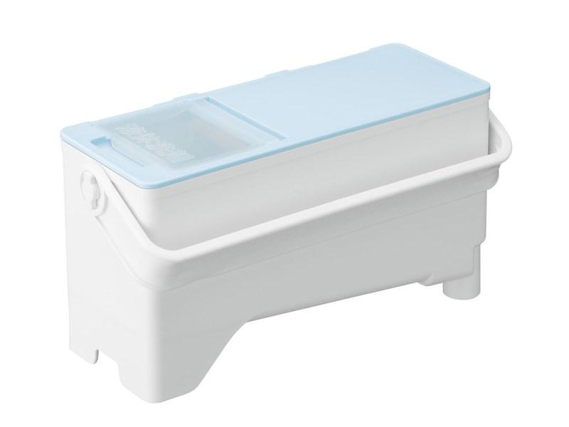 洗剤タンクは詰め替えタイプ1本入る大容量