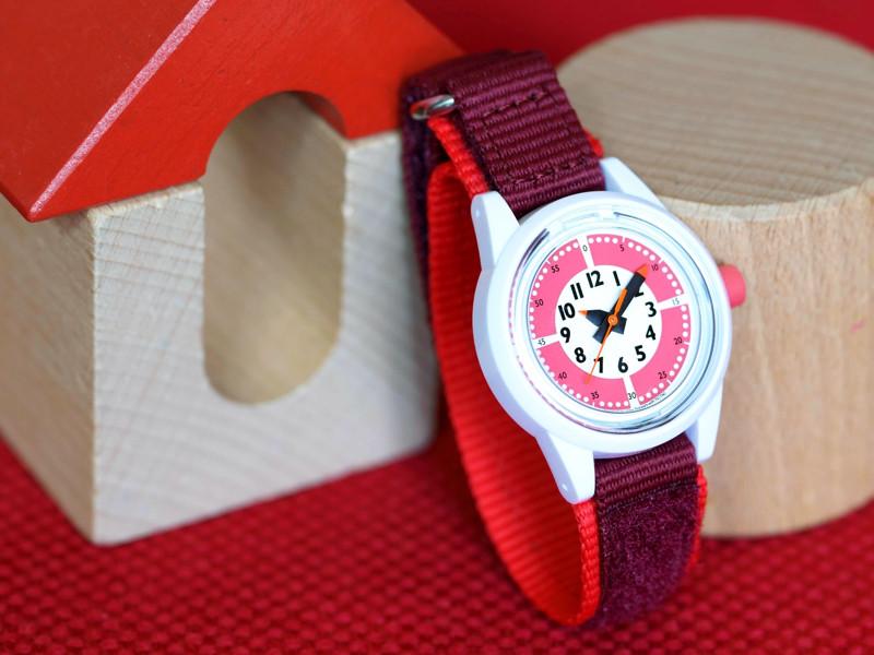 子ども用腕時計「funpunclock to wear!」