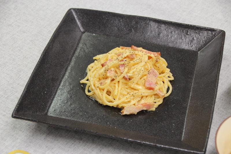 卵黄を絡める工程で、火力が強すぎると炒り卵のようになってしまうが、火加減マイスターではその心配は不要。ダマのない美味しいカルボナーラに仕上がった