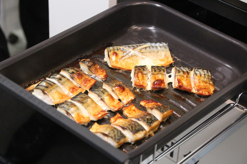 冷凍の魚がそのまま焼ける新機能も紹介された