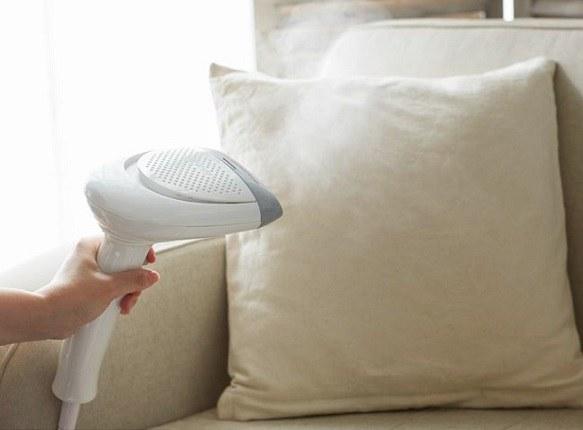 移動しやすく、衣類だけでなくソファなど家中の布製品を一度にシワ伸ばしできるとする