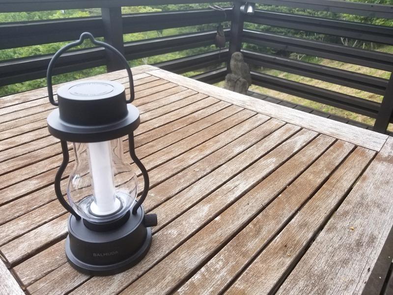 USB充電式のランタン「BALMUDA The Lantern」
