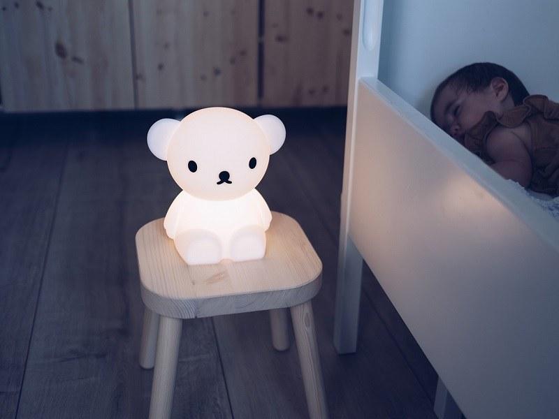 6段階で調光可能のため、授乳やオムツ替えなどの際にも便利