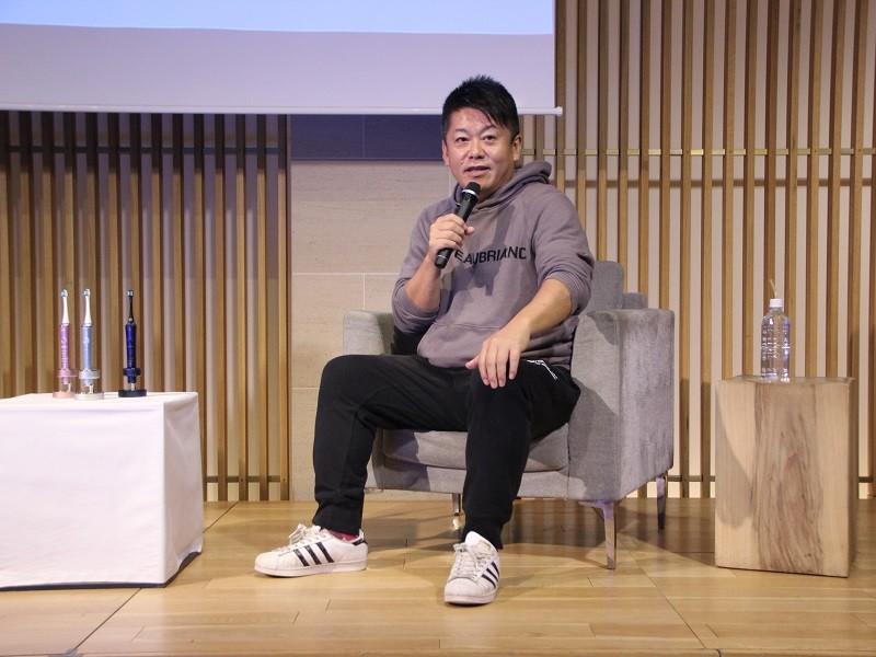 歯科定期検診を強く勧める堀江 貴文氏