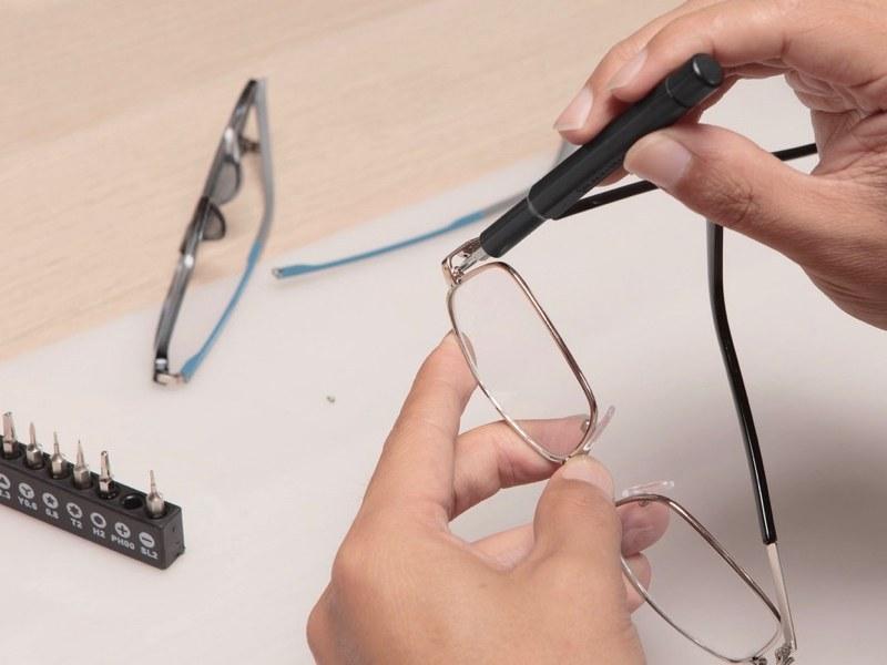 時計やメガネ、パソコンなどの精密機器のメンテナンスにも役立つ