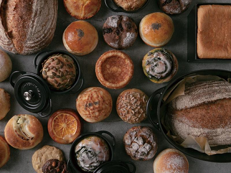 全てのパンは、バーミキュラで焼き上げたものを提供