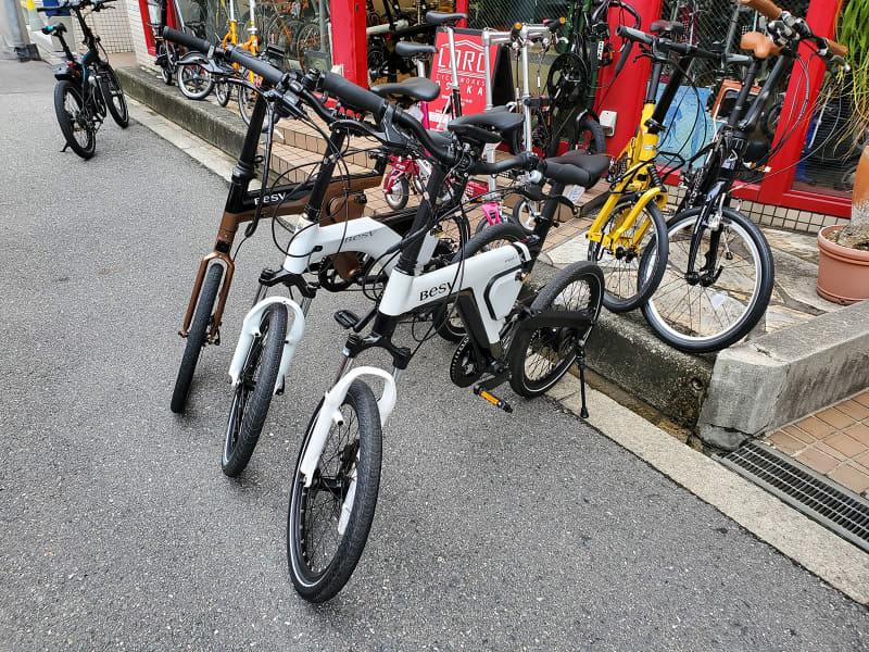 """この日は<a href=""""https://kaden.watch.impress.co.jp/docs/news/1188890.html"""" class=""""n"""" target=""""_blank"""">BESVの新モデル「PSF1」</a>の試乗会も開催していた。「Vektron S10」と同じく折りたたみモデルのe-bike"""