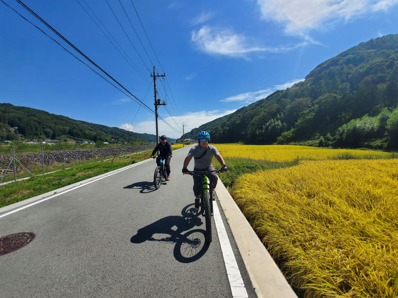 絶景と出会えるe-bikeと超広角カメラの相性はバツグン