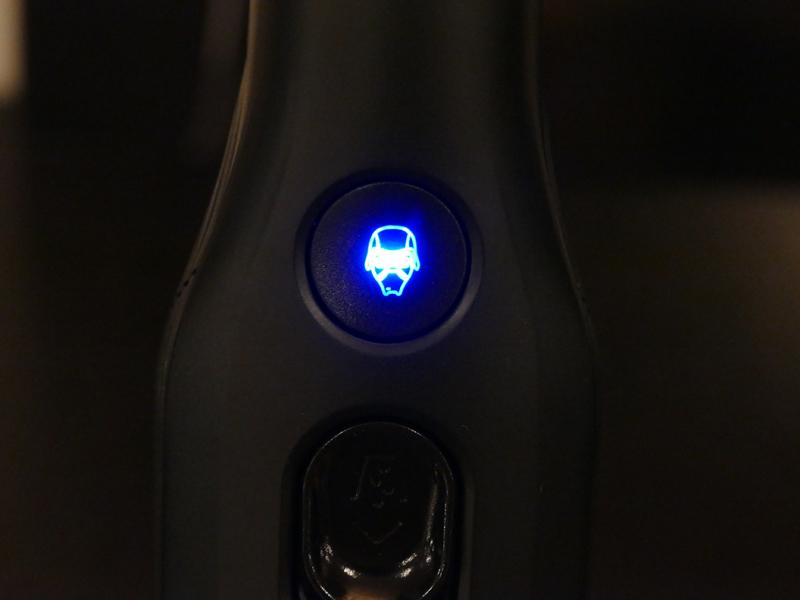中央のランプにはキャラクターのフェイスが描かれている