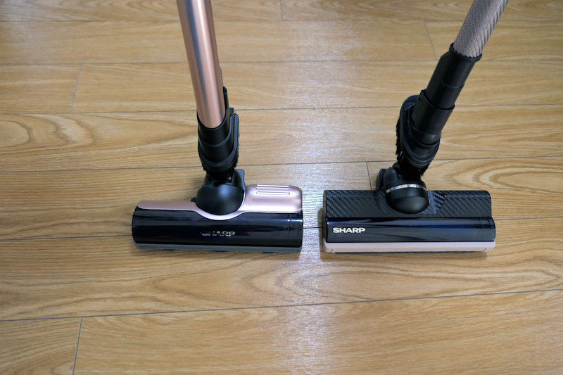 新製品VRシリーズのヘッド(左)とARシリーズ(右)のヘッドの比較