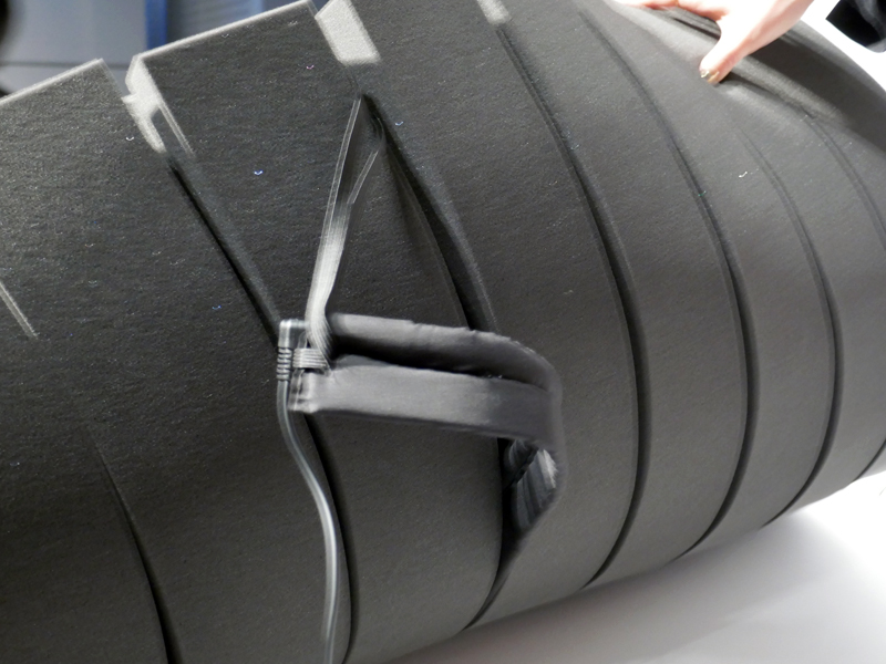 体動センサーは、取り外して移動できる。就寝者の胸の位置にセットする
