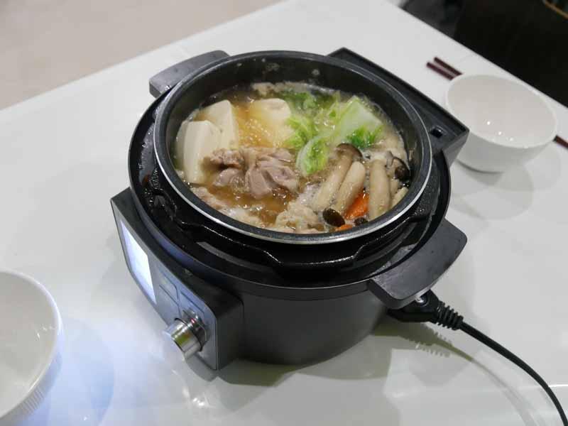 食卓に出して、グリル鍋として使えるのは便利