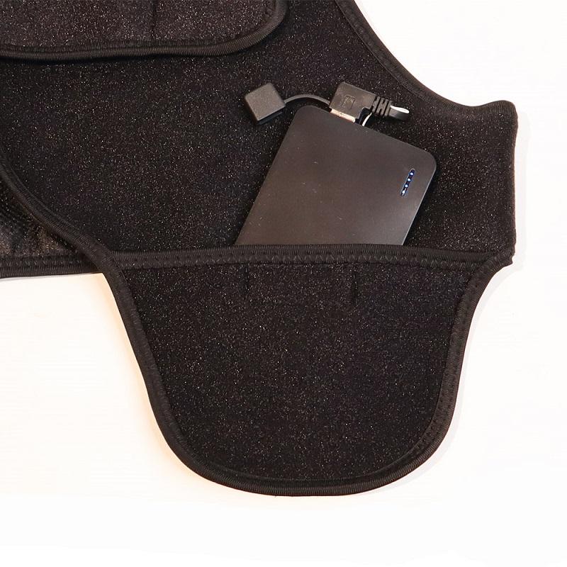 モバイルバッテリーを収納できるポケット