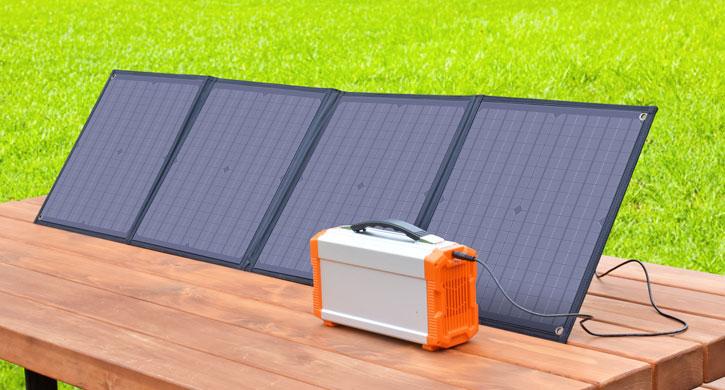 同社ポータブル電源「エネボルタ EP-200」は約8時間で満充電できる
