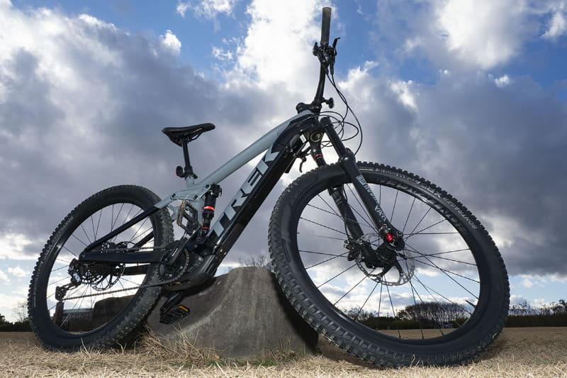 e-bike部員羨望の的、トレック「Rail 9.7」。トレックの最新テクノロジーを惜しみなく投入しつつ、ボッシュの最新&最強ドライブユニットを搭載。790,000円という価格ながら既に初回注文分は全サイズとも完売だそう