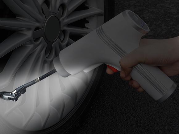 LEDライトで手元を明るく照らしながら作業できる