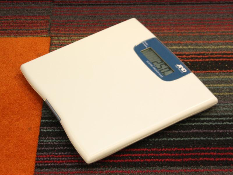 コンティニュアに対応した測定機器。写真はA&Dの体重計「UC-321PBT」