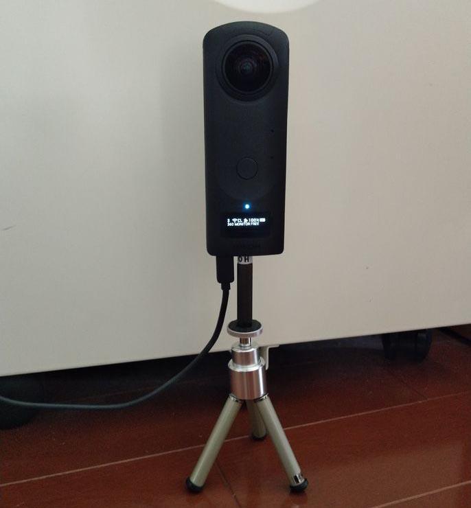RICOH THETA Z1を見守りカメラとして利用した例