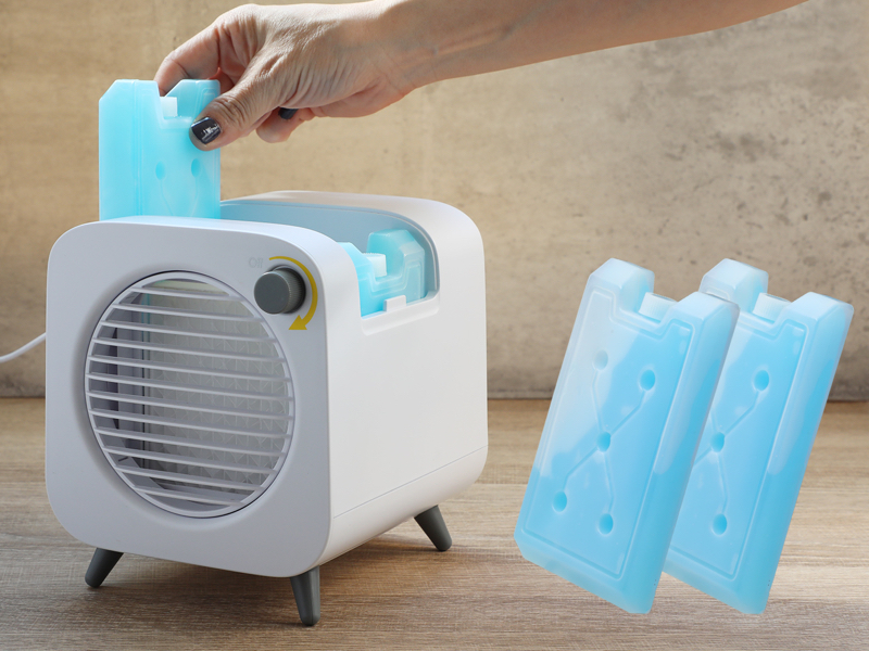 付属の保冷剤を使えば、さらに涼しい風が送れる