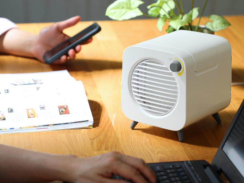 パソコンのUSB端子に接続して給電可能