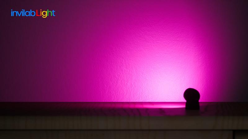 拡散レンズを通した柔らかな光が特徴