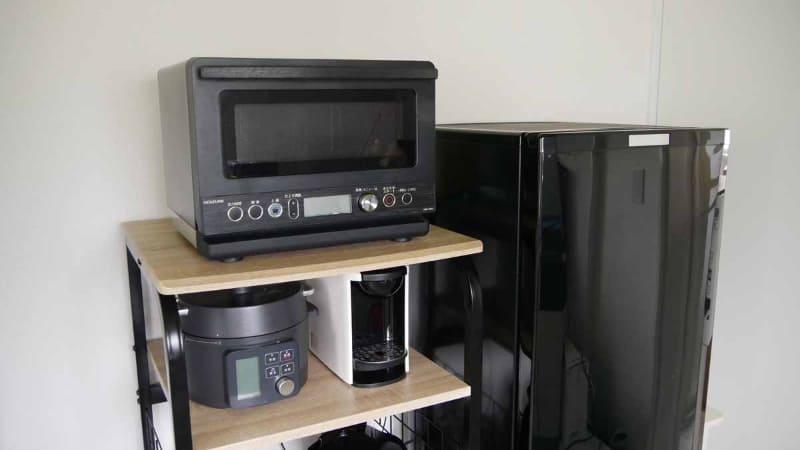 高級オーブンレンジと比較すると単機能の電子レンジのため小さめ