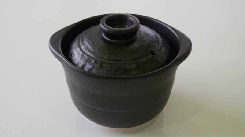 専用の萬古焼土鍋が付属