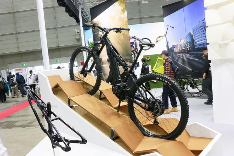こちらは「サイクルモードインターナショナル2019」で展示されていた「YPJ-MTBフルサスコンセプト(オールマウンテン)」