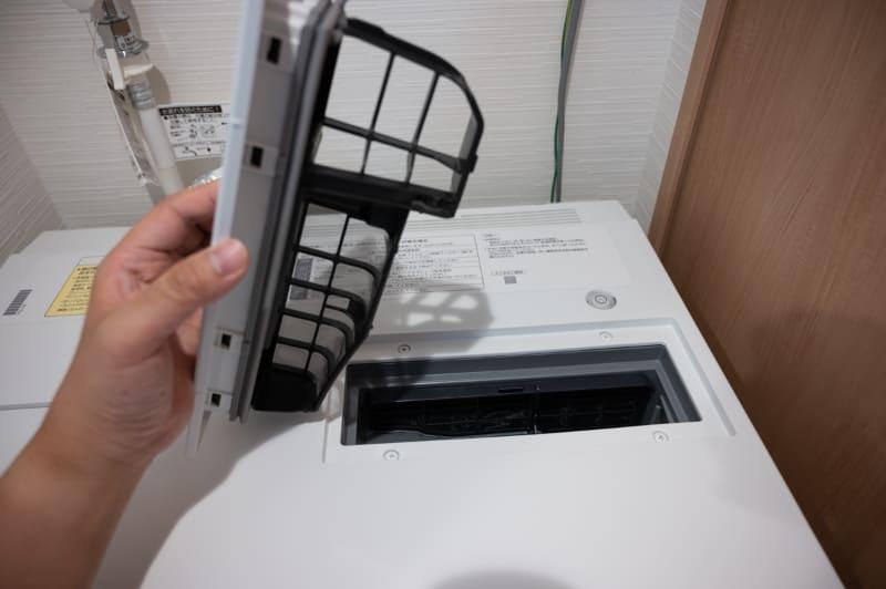 乾燥フィルターは毎回掃除が必要だが比較的簡単だ