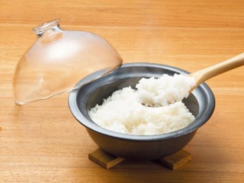 土鍋ご飯や蒸し料理なども調理可能