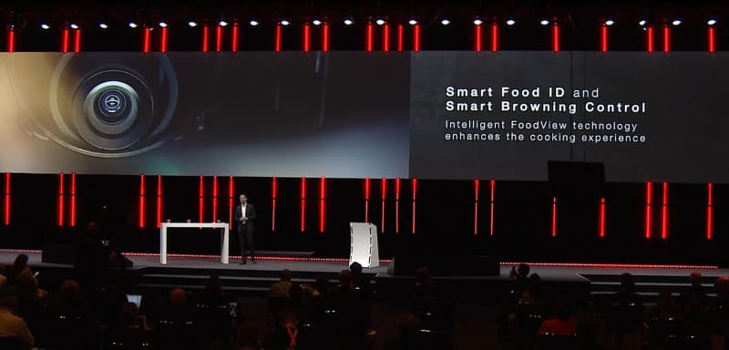 オーブン内のカメラを活用して適切な調理ができるという「Smart Food ID」