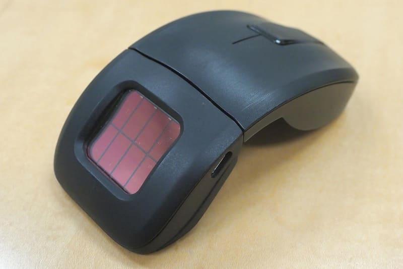 リコーとビフレステックが共同開発したワイヤレスマウス「SMART R MOUSE」