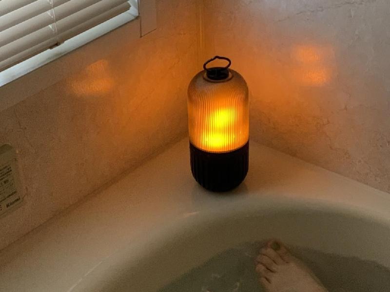 バスルームでも光と音を楽しめる